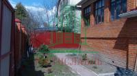 Продаем 2-этажный кирпичный дом со всеми коммуникациями в центре г. Озеры, Московской области.