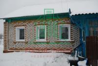 Продам отдельно стоящий кирпичный дом в районе Катюшино поле, тихий зеленый район г. Озеры.